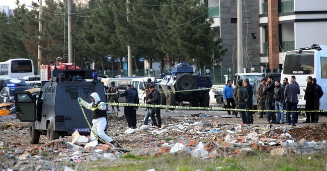 Turkish officials: Bomb in Diyarbakir kills 7 policemen