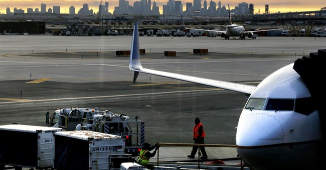 Newark airport flight limits eased; could spur lower fares