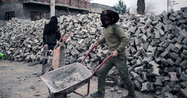 IS threat growing as Turkey focuses on Kurds