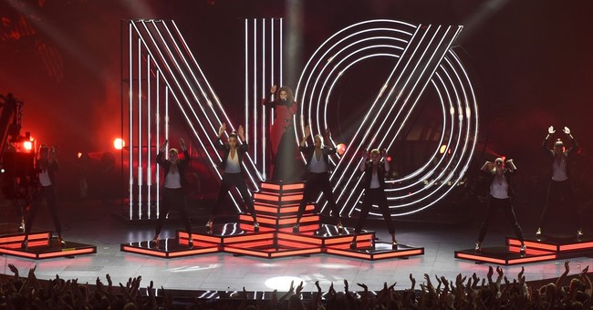 Taylor Swift thanks 'boyfriend Adam' at iHeartRadio Awards