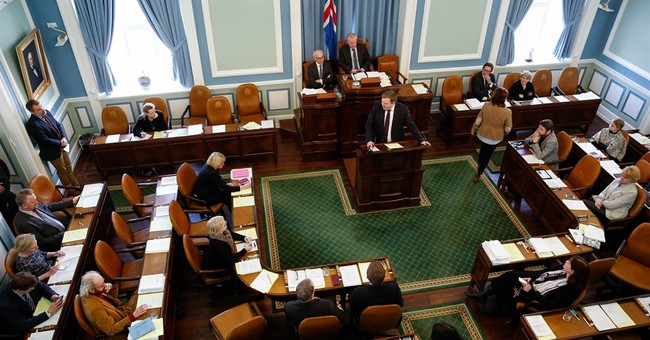 Iceland's PM says he won't resign in Panama Papers scandal
