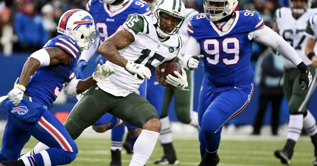 NYC trial opens for Jets receiver accused of punching woman