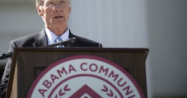Alabama lawmaker moves forward with plan to impeach governor