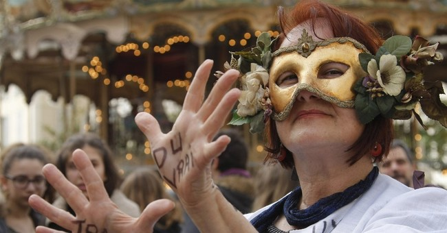 Police arrest French protesters angry over labor law changes