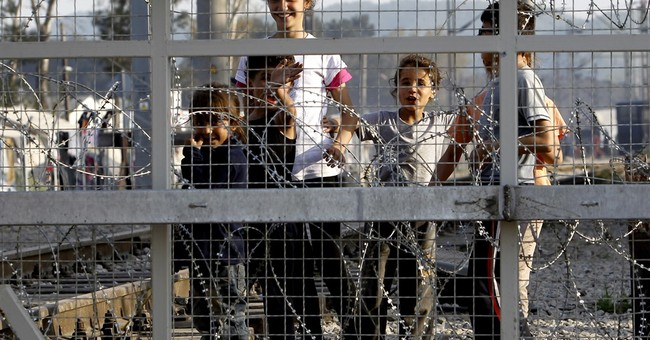 Greece: Pause in deportations, asylum claims mounting