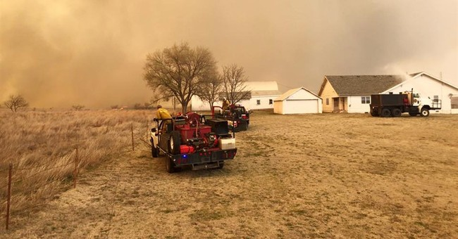 Wildfire spares Oklahoma town, plant but still not contained