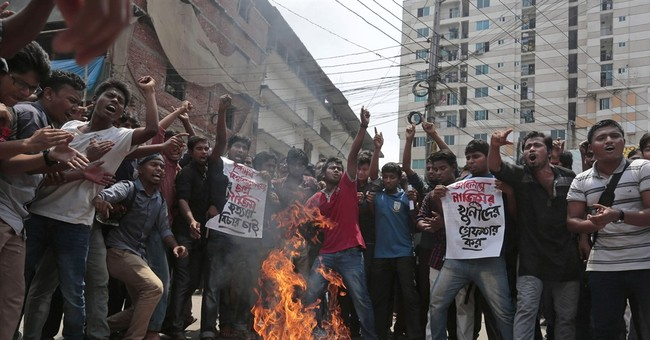 After Bangladesh slaying, US considers refuge for bloggers