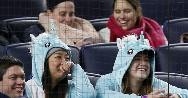 John Oliver sends more 'riff-raff' to Yankee Stadium