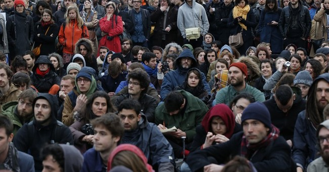 Paris' Occupy-style protesters carry warning for French left