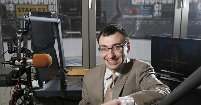 New 32-year-old White Sox broadcaster manages cerebral palsy
