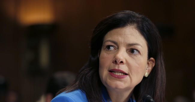 Kelly Ayotte to Back Donald Trump