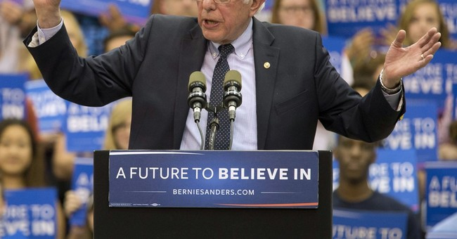 """Bernie Sanders Heads to Vermont to """"Recharge"""""""