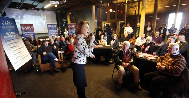 'Incredible Generosity': At Campaign Event, Iowa Vet Starts Hat Collection for Fiorina