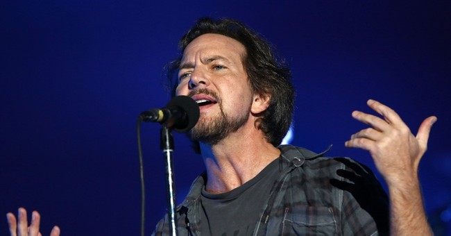 Pearl Jam Cancels North Carolina Show To Protest Bathroom Law