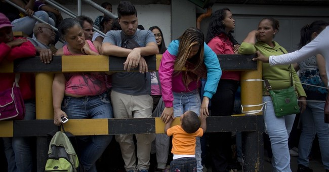 To Stop The Appearance of Economic Collapse, Venezuela Banned Food Lines Outside Bakeries