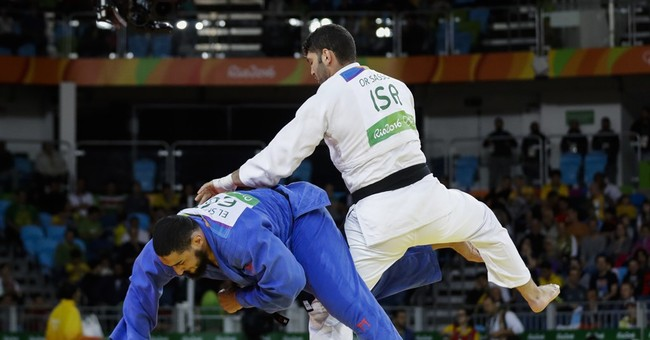 Egyptian Judoka Who Refused To Shake Israeli Competitor's Hand Sent Home By IOC