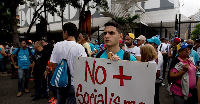 Socialist Venezuela New Food Police Unit Targeting People For Waiting In Supermarket Lines