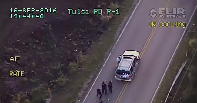 Tulsa: Police Officer Says Terence Crutcher Was 'On Something,' Ignored Commands To Stop Moving Towards Vehicle
