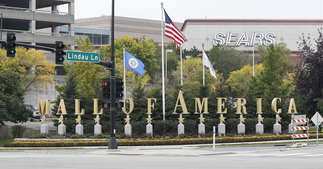 BREAKING: At Least Three Stabbed at the Mall of America
