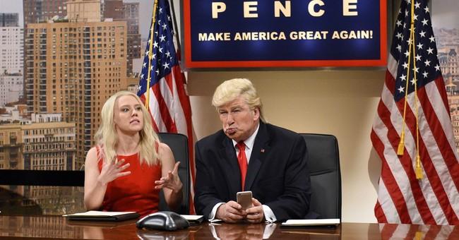 Troll Fail: Alec Baldwin's Russian 'Make America Great Again' Hat Is Mistranslated
