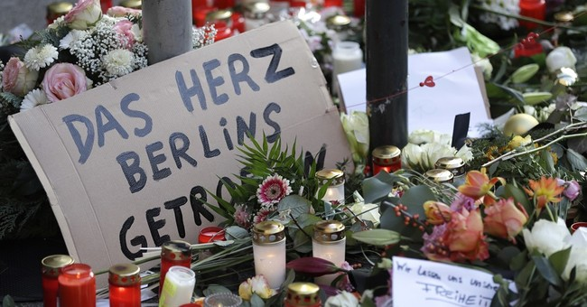 Berlin Suspect ID'd as Tunisian Refugee, Politicians Accuse Merkel of Having 'Blood On Her Hands'