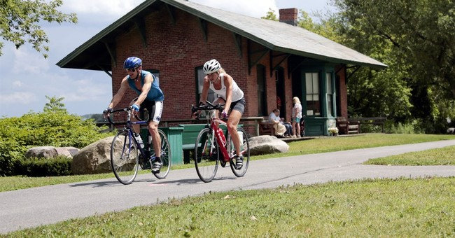 Cuomo pitches 750-mile biking-hiking trail plan for NY state