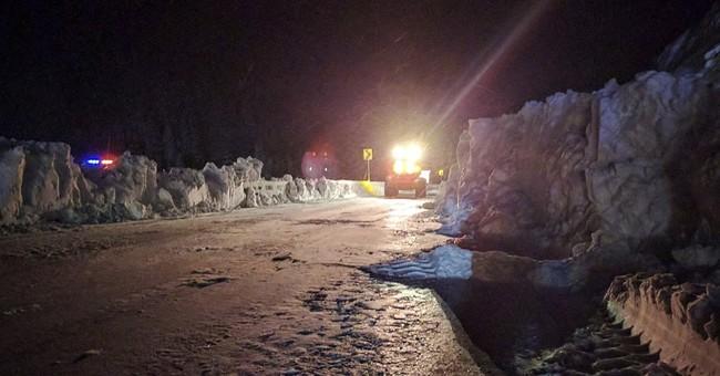 Avalanche blocks key route to Vail ski area in Colorado