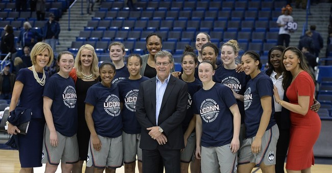 Another 90-game streak just a number for UConn's Auriemma