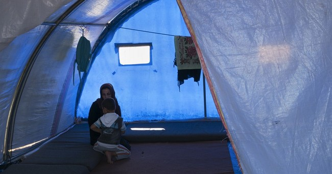 Iraqis haunted by war overwhelm mental health facilities