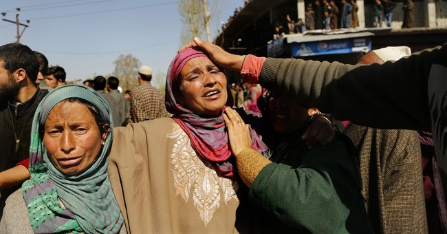Indian army says 4 suspected rebels killed in Kashmir