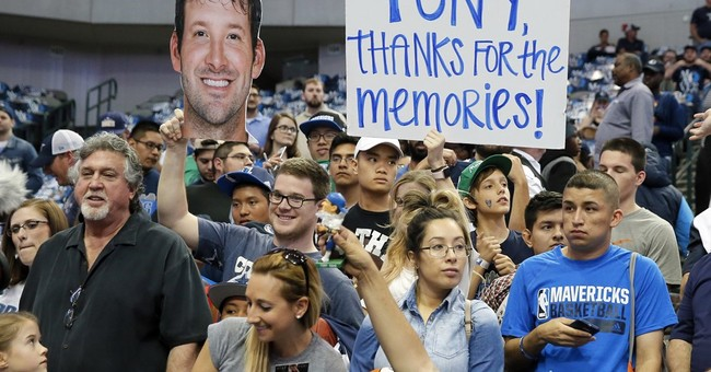 Romo basks in honorary day with Mavs before Nuggets' win