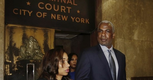 Knicks favorite Charles Oakley arraigned on assault charge