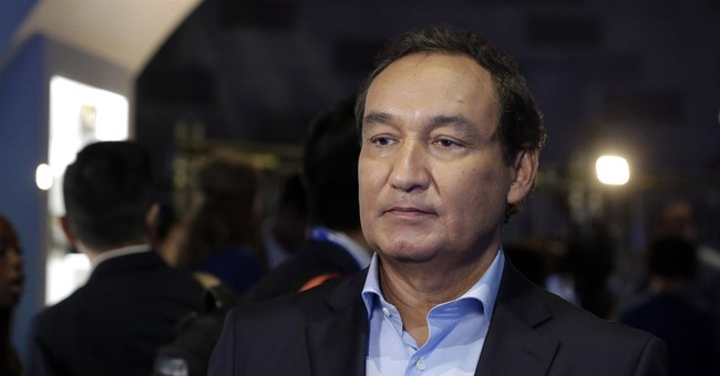 United CEO's 3 statements on passenger dragged off flight