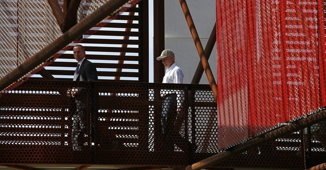 During border visit, Sessions outlines immigration plan