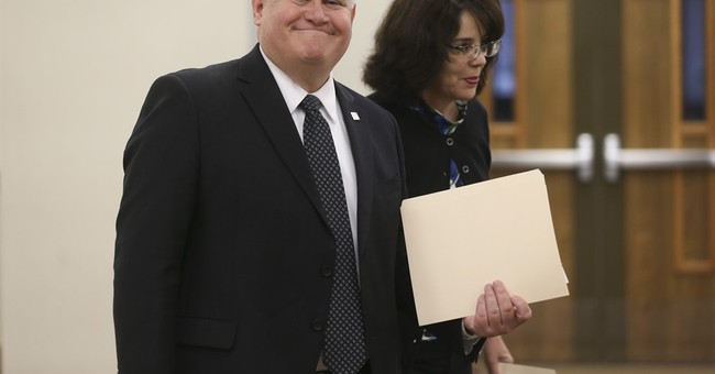 Republicans' narrow win for Kansas seat emboldens Democrats
