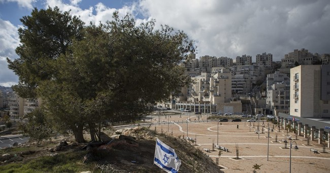 50 years after war, settlements blur future borders
