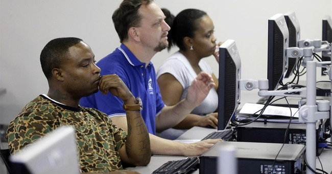 US jobless aid applications fell to 234,000 last week