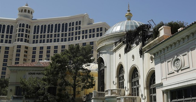 At first, Vegas tourist thought fire part of Bellagio show