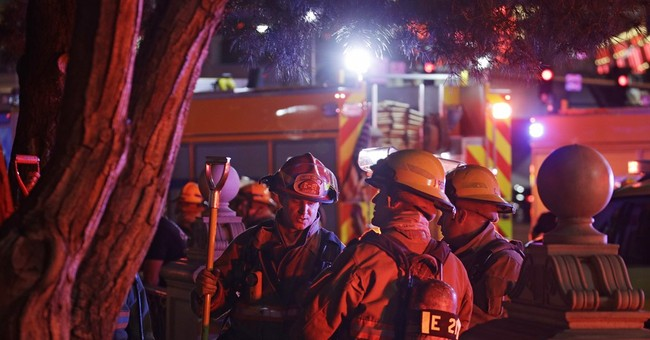 The Latest: Fire quelled on roof of Bellagio retail annex