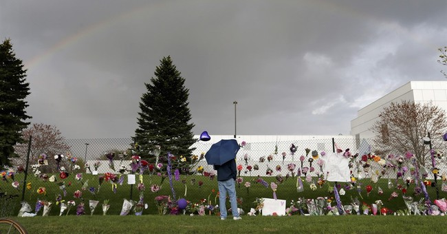 The Latest: Doctor disputes prescribing opioids for Prince