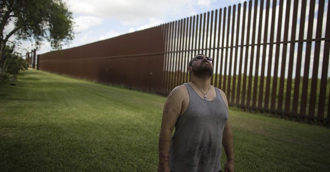 Border wall could leave some Americans on 'Mexican side'