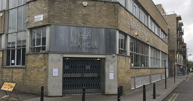 UK police investigating acid attack at London club; 12 hurt