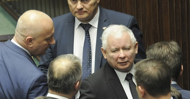 Polish opposition ends blockade of parliament