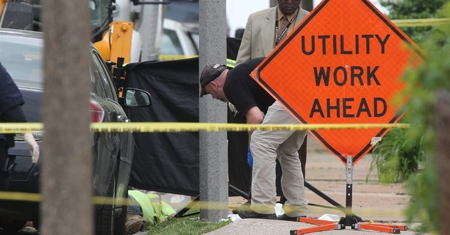 Gunman kills 2 St. Louis utility workers, turns gun on self