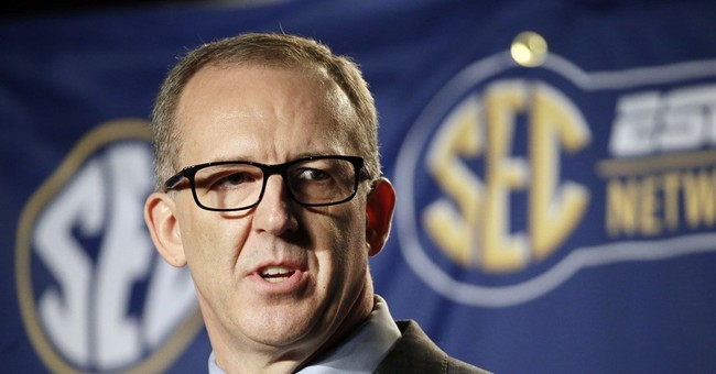 AP Exclusive: SEC's Sankey refuses to step down in UNC case
