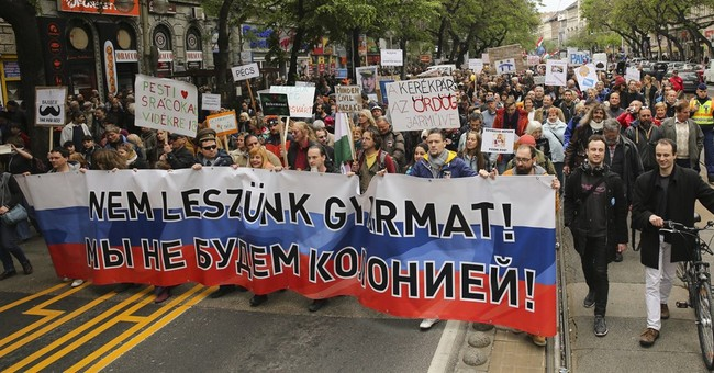 Humor, sarcasm at Hungarian anti-govt protest in Budapest