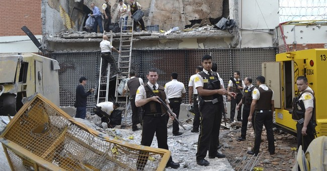 Paraguay: Armed robbers use explosives to break into vault