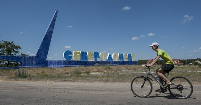 Russia steps in after Ukraine cuts power to rebel-held east