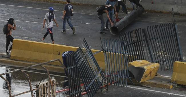 Venezuela's chief prosecutor decries violence as deaths rise