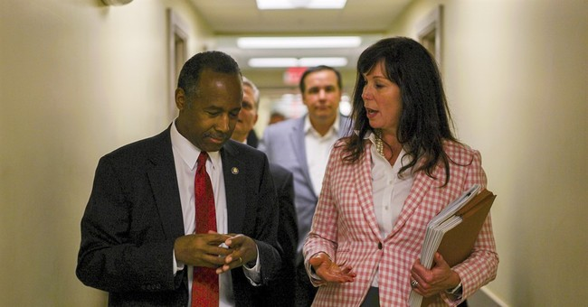 Carson eyes private sector as tool to offset housing cuts